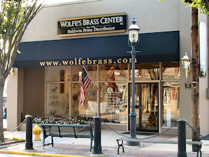 Wolfe S Baldwin Brass Center Decorative Hardware Showroom
